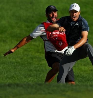 ¿Quién dijo que el golf no es emocionante?