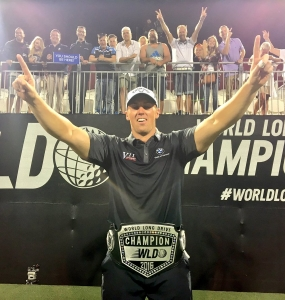Joe Miller ganó el título del 'World Long Drive'